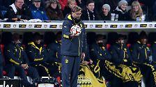 BVB-Coach Jürgen Klopp musste nach dem Rückrundenauftakt keine Niederlage erklären, aber einen kleinen Absturz. Trotz des Punktgewinns beim Champions-League-Aspiranten aus Leverkusen rutschten die Dortmunder auf den letzten Tabellenplatz.
