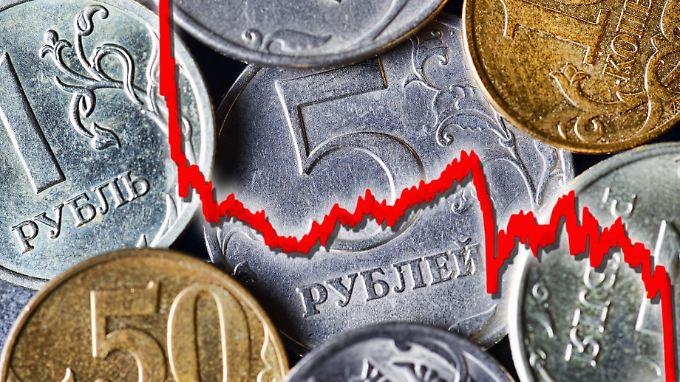 Nicht nur mit dem Rubel, auch mit der russischen Wirtschaft geht es bergab.