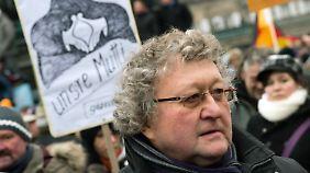 Werner J. Patzelt ging unter die Demonstranten in Dresden.