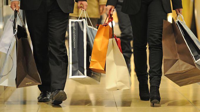 """Der Modebranche fehle ein """"Must-have"""", wie etwa das Iphone, klagt GfK-Textilexperte Bernd Lochschmidt."""