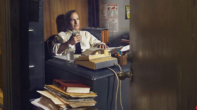 Die Arbeitsbedingungen für Anwalt James McGill sind nicht die besten. Sein Büro ist eine Rumpelkammer.