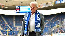Dietmar Hopp hat bei der TSG Hoffenheim schon des Öfteren Finanzlöcher gestopft.