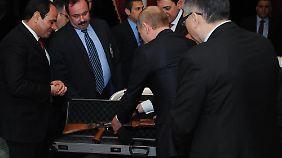 Erst Diplomatie, dann Waffen?: Obama steht in Ukraine-Frage vorerst hinter Merkel