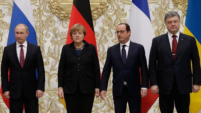 Einigung in Minsk: Staatschefs verkünden Waffenruhe
