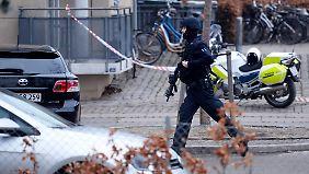 Tödlicher Anschlag in Kopenhagen: Unbekannte schießen auf schwedischen Karikaturisten