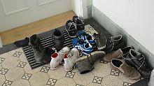 Blumen, Schuhe, Kinderwagen: Was im Hausflur stehen darf