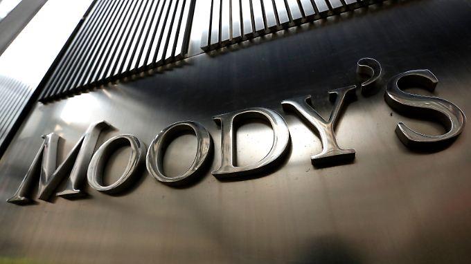 Nach S&P senkt auch Moody's den Daumen über Russland.
