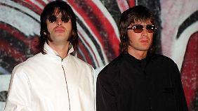 Es waren einmal zwei Brüder, die machten Musik: Liam (l) und Noel auf einer Pressekonferenz 1999.