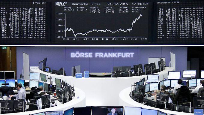 Sollen Anleger jetzt einsteigen?: Dax eilt von Rekord zu Rekord