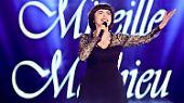 """Beliebt, zeitlos - und ein bisschen einsam: """"Bon anniversaire, Madame Mireille Mathieu"""""""