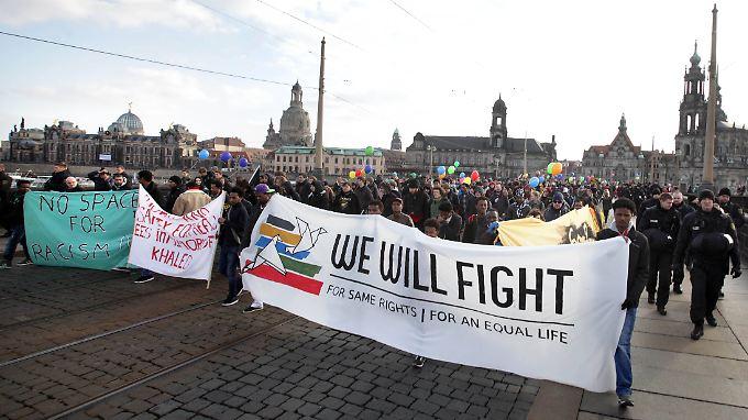 Bis zu 5000 Menschen kamen in Dresden zusammen.