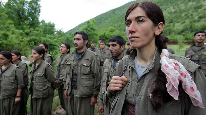 PKK-Kämpfer: Geht es nach Öcalan, kämpfen die Kurden bald mit politischen Mitteln um ihre Unabhängigkeit.