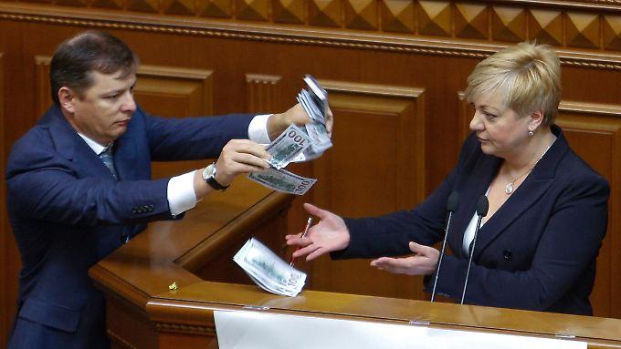 Oleg Ljaschko hält wenig von der Geldpolitik Walerina Gontarewas.