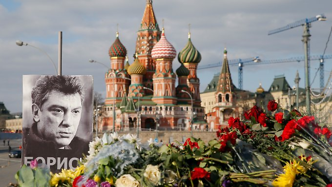 Boris Nemzow starb in Sichtweise des Kreml. Das Mordmotiv ist unklar.