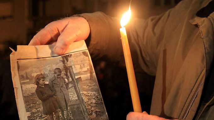 Ein Überlebender des Massakers von Distomo erinnert an sein Schicksal.