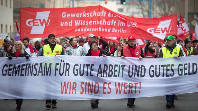 Zuletzt konnten die Gewerkschaften in mehreren Branchen deutliche Lohnsteigerungen durchsetzen.