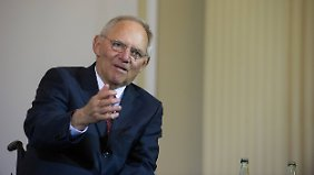 """Es wird wieder gelächelt: Schäuble hält Griechenland nicht für """"hoffnungslosen Fall"""""""