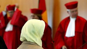 Kehrtwende in Karlsruhe: Lehrerinnen dürfen wieder Kopftuch tragen