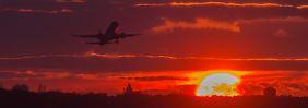 Der Urlaub begann mit einem Flug in den Sonnenuntergang. Soll das Gedächtnis dieses Erlebnis speichern, müssen andere Inhalte weichen.