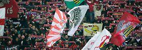 Gerne gesehene Gäste: Fans von RB Leipzig beim Spiel gegen Fortuna Düsseldorf. Nur reinreden sollten sie dem Verein nicht allzu sehr.