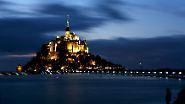 Jahrhundertflut mit 30.000 Zuschauern: Die Supertide am Mont-Saint-Michel