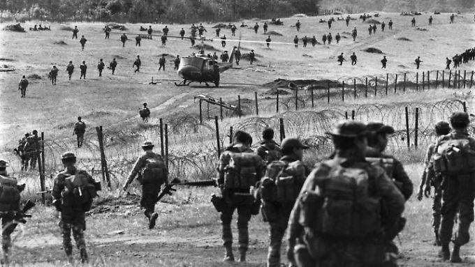 Der Vietnamkrieg dauerte von 1955 bis 1975. Auf dem Bild sind US-amerikanische Soldaten zu sehen, die auf Seiten des unterlegenen Südens kämpften.