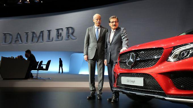 Rekorddividende nach Rekordzahlen: Zetsche sitzt weitere drei Jahre am Daimler-Steuer