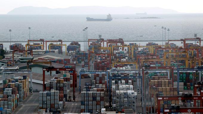 Der geplante Hafen soll den Handel in Südostasien aufmischen. Häfen wie der abgebildete Laem Chabang würden eine untergeordnete Rolle bekommen.