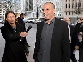 Informeller Besuch am Sonntagabend: Varoufakis vor dem Treffen mit Lagarde.