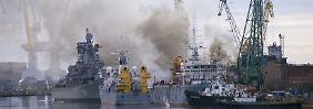 Feuer bricht bei Reparaturen aus: Atom-U-Boot brennt in russischer Werft