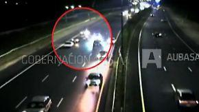 Unglücklicher Anschiebeversuch: Betrunkene legen Autobahn lahm