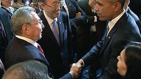 Historische Geste: Obama und Castro reichen sich auf Amerika-Gipfel die Hand