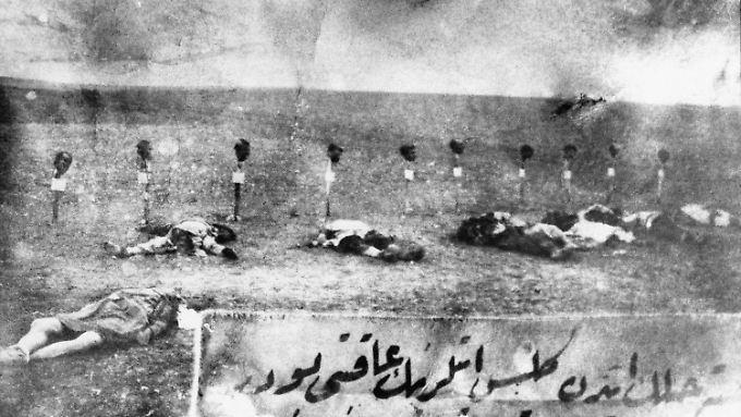 Ermordete Armenier in der Türkei - Aufnahme von 1915.