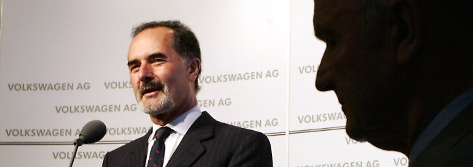 Der große Schatten von Ferndinand Piech. 2002 hat er Bernd Pischetsrieder nach Wolfsburg geholt, 2006 wieder weggeschickt.