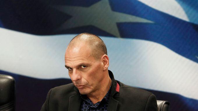 Der umstrittene Yanis Varoufakis wird Stück für Stück entmachtet.