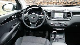 Wertig und wohnlich: Die Inneneinrichtung des SUV ist komfortabel und funktionell.