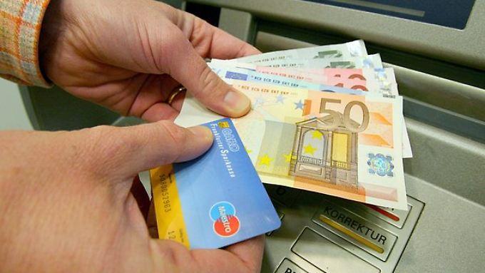 Die Verbraucherschutzminister fordern vom Bund ein gesetzliches Recht auf ein Girokonto für jedermann.