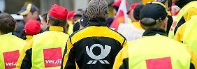 Gabriel ermahnt Konzernspitze: Schüchtert die Deutsche Post Streikende ein?