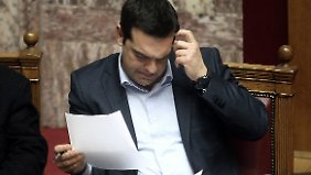 Drittes Hilfspaket nötig: IWF-Papier feuert Streit um Griechenland an