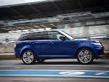 Mit 260 km/h Spitze ist der Range Rover Sport SVR schneller als manches Sportcoupé.