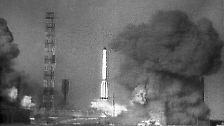 Den ersten Erfolg feierte der Kreml 1957 mit dem Start einer Interkontinentalrakete.