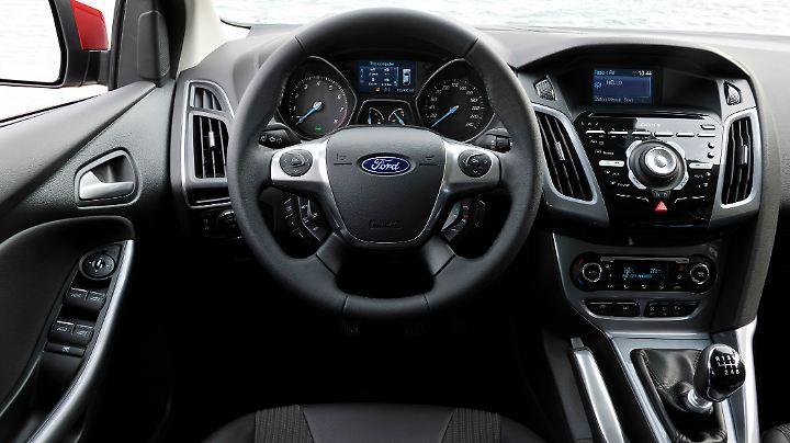 Was der Käufer eines gebrauchten Focus verkraften muss, ist das überladene Cockpit.