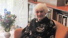 Älteste Doktorandin der Welt: 102-Jährige legt Prüfung ab