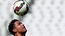 Cristiano Ronaldo kassiert mit seinen Ballkünsten 79,6 Millionen Dollar (70,4 Millionen Euro) im Jahr.