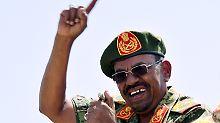 Trotz internationalem Haftbefehl: Südafrika lässt al-Baschir ausreisen