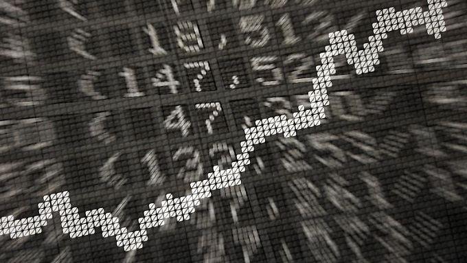 ETFs sind transparent. Denn die Fonds bilden einen Aktienindex nach. Anleger können also in der Regel relativ einfach erkennen, was in einem ETF steckt.