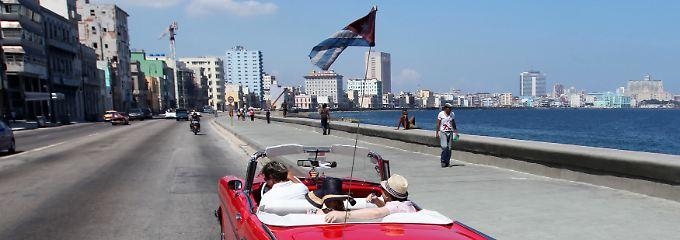 Havanna vor der Öffnung: Erst wenn das Handelsembargo fällt, dürfte auch für die Menschen auf der Straße ein neues Zeitalter anbrechen.