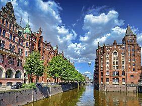 Speicherstadt von Hamburg: In Norddeutschland trifft man oft auf roten Backstein.