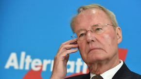 Rechtsruck beim Parteitag: Henkel verlässt die AfD nach Wahl von Petry