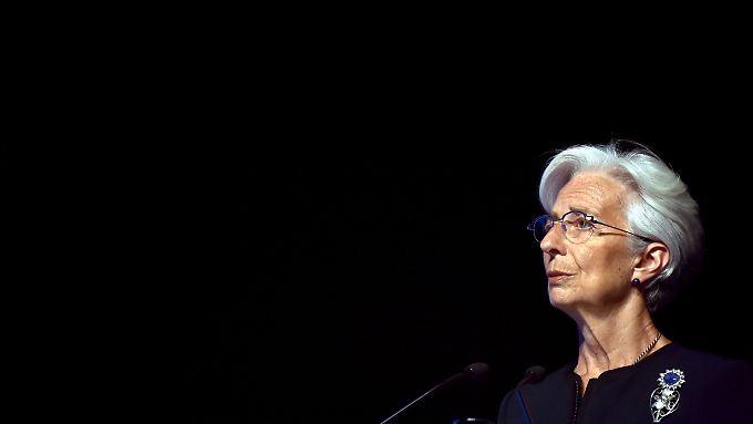 Es sah bereits so aus, als würde Lagarde um einen Prozess in der Tapie-Affäre herumkommen.